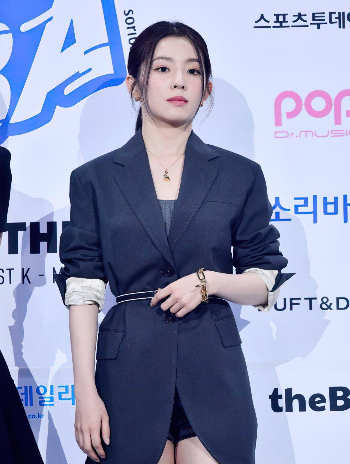 """Đụng váy với """"điên nữ"""" Seo Ye Ji mà Irene chẳng hề lép vế, thậm chí còn lất át về độ trẻ trung, sexy - Ảnh 2."""