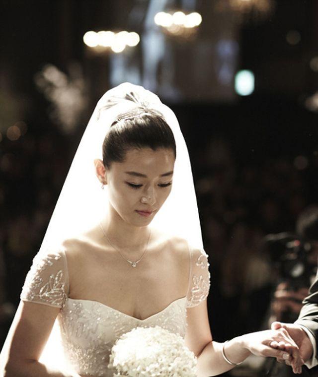 """Netizen bình chọn """"cô dâu đẹp nhất xứ Hàn"""": Jun Ji Hyun, Kim Tae Hee đều có mặt nhưng chua chát nhất là Song Hye Kyo ở vị trí đầu tiên  - Ảnh 7."""