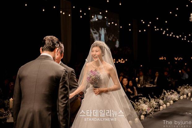 Váy cưới của dàn mỹ nhân huyền thoại, Kim Ha Neul Han Ga In, Jeon Ji Hyun - Ảnh 7.
