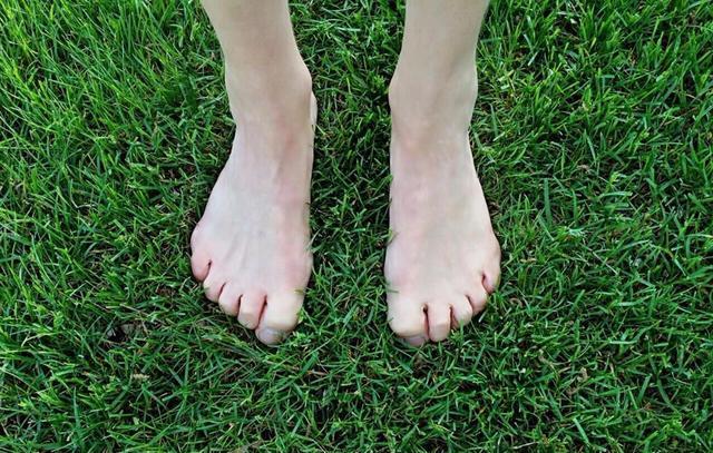 Muốn biết tuổi thọ bản thân hãy nhìn xuống bàn chân: Nếu có 2 dấu hiệu này, bạn là người tuổi thọ kém, nhiều bệnh tật - Ảnh 1.