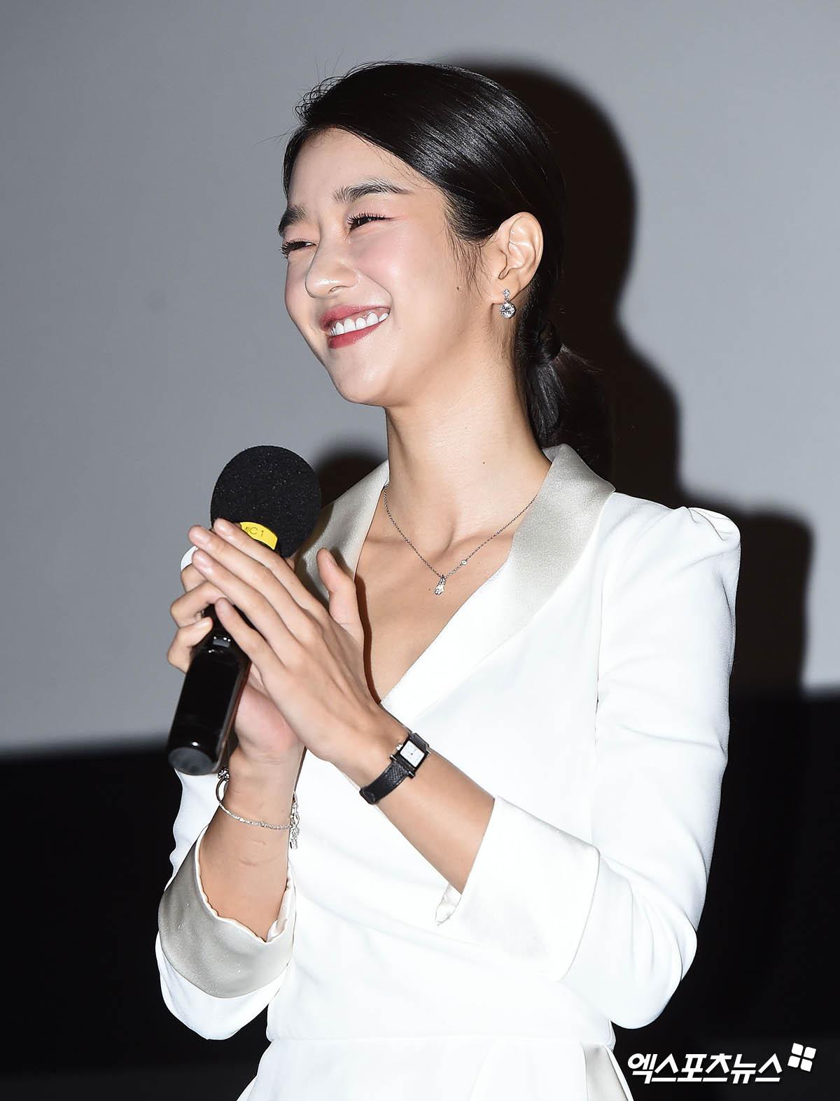 Knet đào lại ảnh cũ của Seo Ye Ji, hot tới nỗi lên top Naver: Mặt nhỏ đến khó tin, xinh đẹp chấp hết ánh đèn flash chói lóa - Ảnh 2.