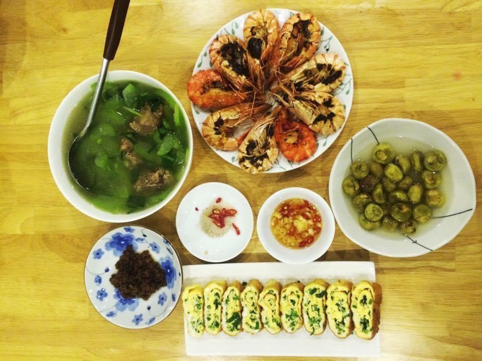 Chi phí chỉ từ 100k nhưng mỗi bữa cơm của bà nội trợ Hà Nội đều tươm tất đủ món thơm ngon, bổ dưỡng cho mọi thành viên gia đình - Ảnh 6.