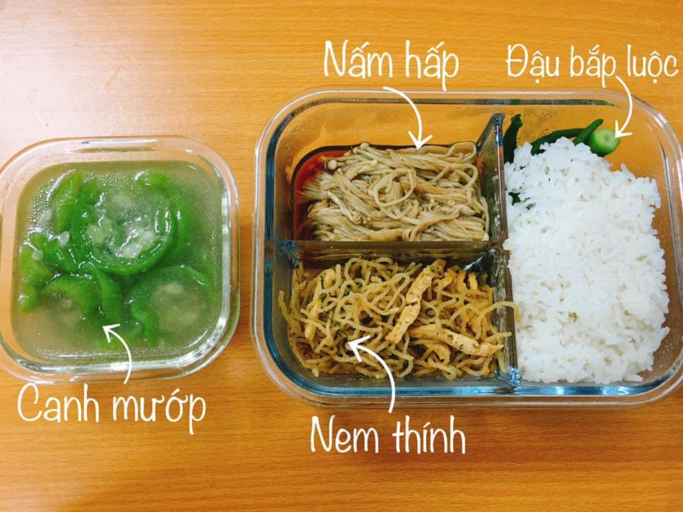 Ưng mắt hộp cơm chay của cô nhân viên văn phòng Hà Nội cùng bật mí những mẹo mua đồ chay tươi ngon, đầy đủ chất dinh dưỡng mà giá đắt nhất chỉ 30K/hộp - Ảnh 4.