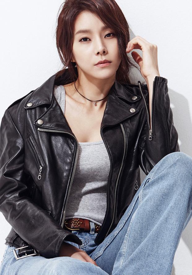 Tập thể người yêu cũ từ Song Hye Kyo đến Kang Sora kết hôn hết lượt, bao giờ Hyun Bin mới được sắm vai chú rể? - Ảnh 10.