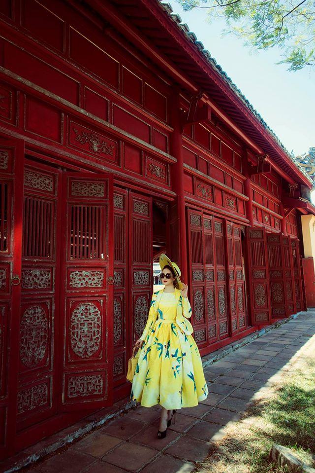 Hoa hậu Giáng My khoe nhan sắc tuổi 50 mỹ miều trong hoàng thành Đại nội Huế - Ảnh 7.