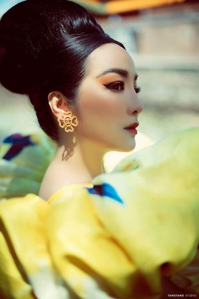 Hoa hậu Giáng My khoe nhan sắc tuổi 50 mỹ miều trong hoàng thành Đại nội Huế - Ảnh 6.