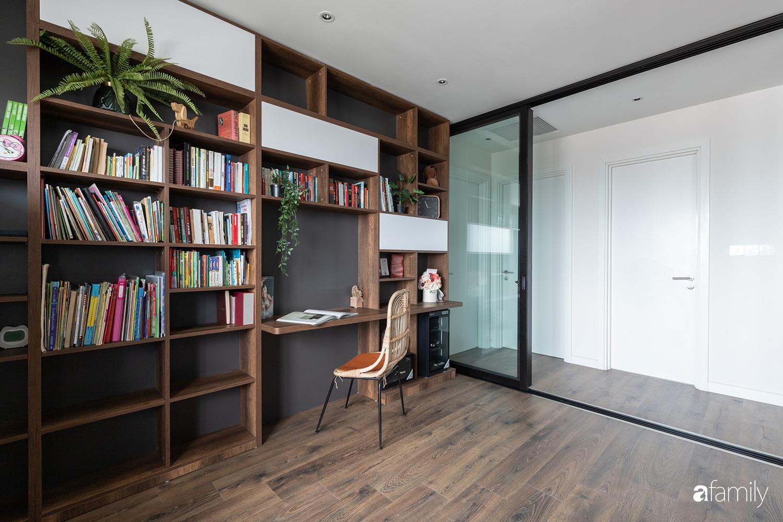 Căn hộ với chi phí phần nội thất gỗ có giá 200 triệu đồng đẹp cuốn hút theo phong cách tối giản ở Hà Nội - Ảnh 13.