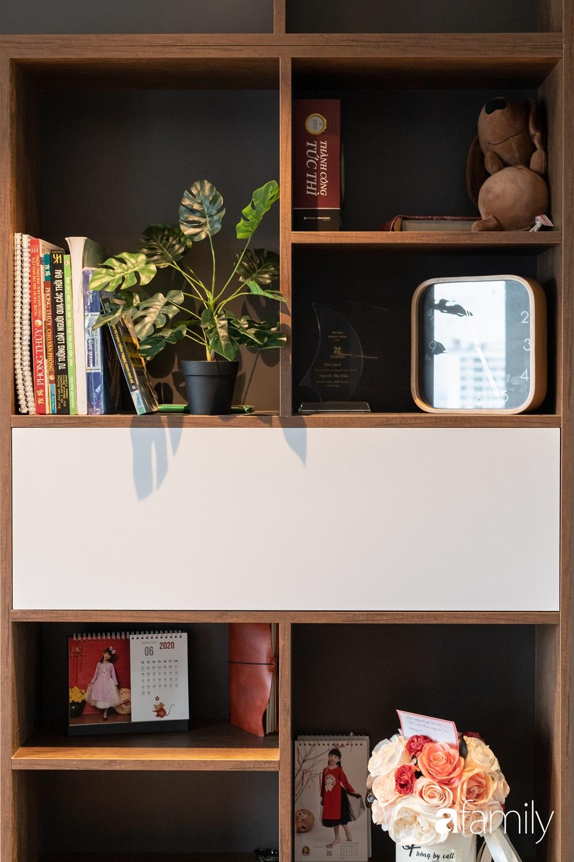 Căn hộ với chi phí phần nội thất gỗ có giá 200 triệu đồng đẹp cuốn hút theo phong cách tối giản ở Hà Nội - Ảnh 15.