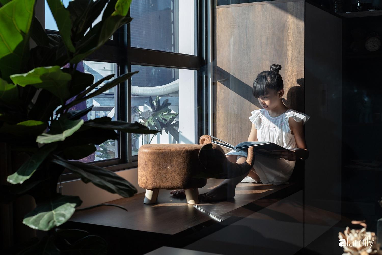Căn hộ với chi phí phần nội thất gỗ có giá 200 triệu đồng đẹp cuốn hút theo phong cách tối giản ở Hà Nội - Ảnh 19.