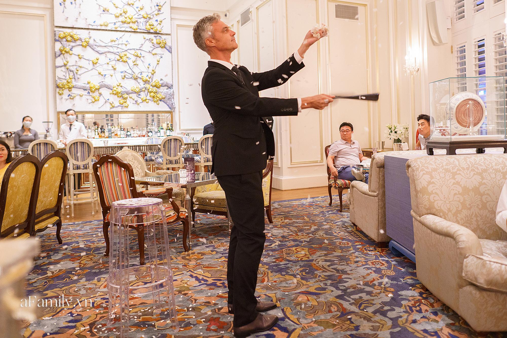 """Giải trí thời Covid, các buổi tiệc """"giới hạn số lượng"""" lên ngôi, nhiều người sẵn sàng bỏ gần 4 triệu đồng để vừa ăn tối vừa xem ảo thuật trong 2 tiếng - Ảnh 5."""