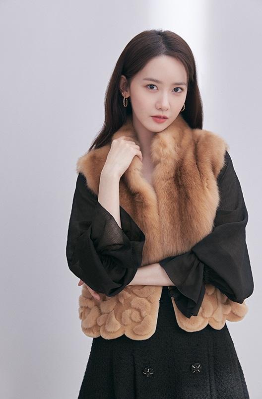 Sang tuổi 30, Yoona tạm biệt style ngọt ngào. trong sáng quay ngoắt sang hình ảnh sang chảnh, quý phái như tiểu thư nhà tài phiệt - Ảnh 3.