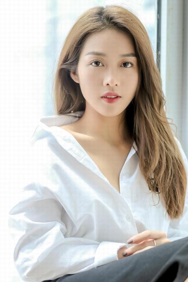 Cô gái Việt lọt đề cử Top 100 gương mặt đẹp nhất thế giới khiến cộng đồng mạng đứng ngồi không yên vì nhan sắc quá mặn mà, quyến rũ - Ảnh 17.