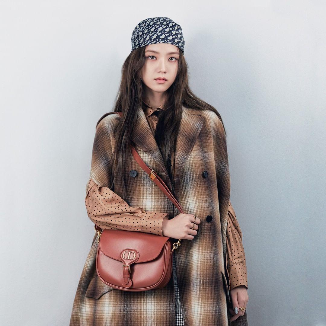 Đẳng cấp sang chảnh của Jisoo: Gây bão mạng khi lên Instagram của Dior nhưng thần thái mới là điều bất ngờ - Ảnh 2.