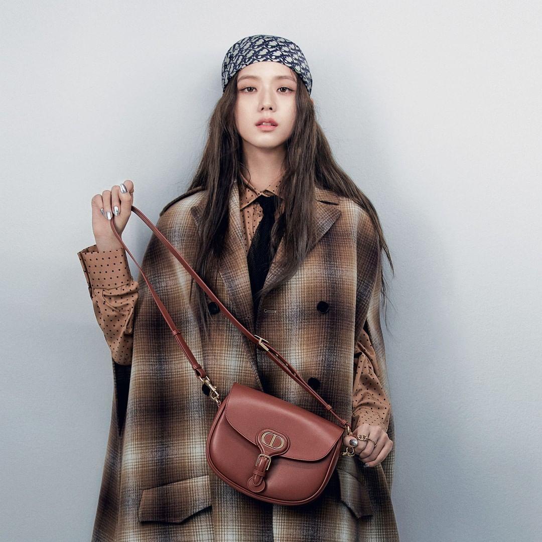 Đẳng cấp sang chảnh của Jisoo: Gây bão mạng khi lên Instagram của Dior nhưng thần thái mới là điều bất ngờ - Ảnh 3.