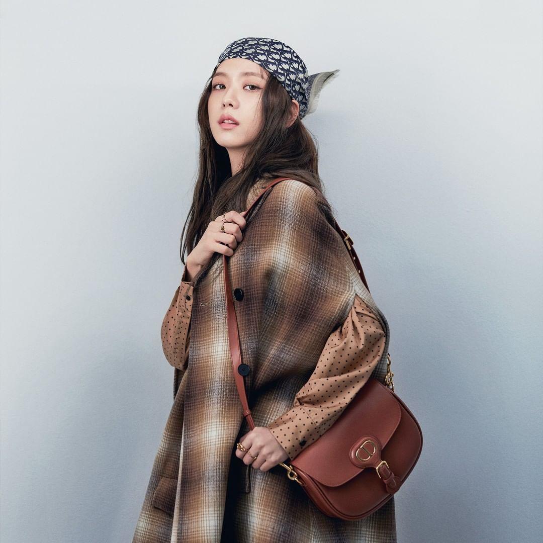 Đẳng cấp sang chảnh của Jisoo: Gây bão mạng khi lên Instagram của Dior nhưng thần thái mới là điều bất ngờ - Ảnh 4.