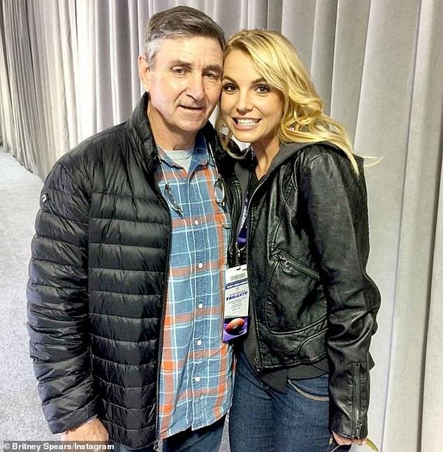 """Britney Spears có động thái """"cực gắt"""" khi yêu cầu bố ruột rời khỏi vị trí giám hộ và không được phép quản lý tài sản của cô - Ảnh 1."""