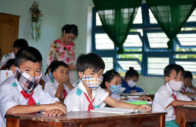 CẬP NHẬT: 14 tỉnh thành cho học sinh nghỉ chống dịch, 33 tỉnh công bố lịch tựu trường, khai giảng  - Ảnh 2.