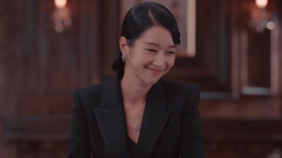Cả phim đẹp mê hồn, gần cuối Seo Ye Ji lại diện kiểu tóc xoăn mái nhìn già câng - Ảnh 5.