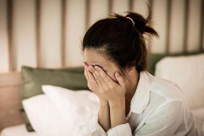 """Sau 15 năm chung sống, người phụ nữ bỗng ôm chồng òa khóc và nói câu lạ lùng """"em không giỏi làm vợ, anh giúp em đi"""" - Ảnh 2."""