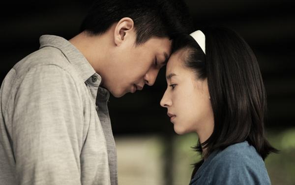 Nửa đêm vợ về đến nhà, chồng mỉm cười chào đón nhưng cô lại chìa ra một bó hoa hướng dương rồi kiên quyết ly hôn khiến anh ân hận tột cùng - Ảnh 2.