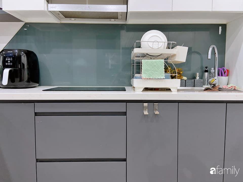 Căn bếp nhỏ tinh tươm nhờ cách sắp đặt đồ đạc, vật dụng khoa học của bà mẹ Hà Nội - Ảnh 11.
