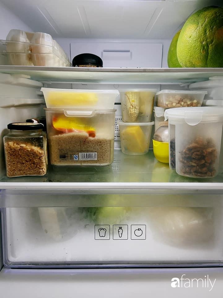 Căn bếp nhỏ tinh tươm nhờ cách sắp đặt đồ đạc, vật dụng khoa học của bà mẹ Hà Nội - Ảnh 10.