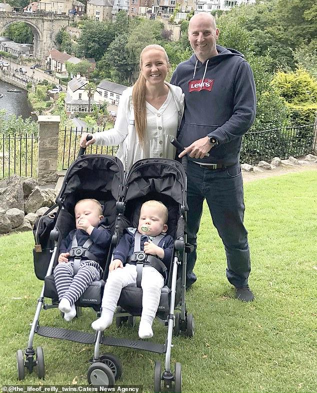 Bà mẹ sinh đôi hai con trai cách nhau 2 ngày vì đang chuyển dạ thì hết đau - Ảnh 8.