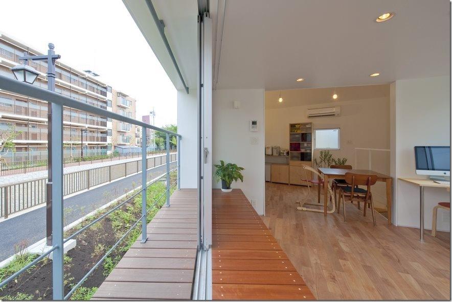Căn nhà 2 tầng hình tam giác rộng 29m² tiện nghi, thoáng sáng bất ngờ - Ảnh 4.