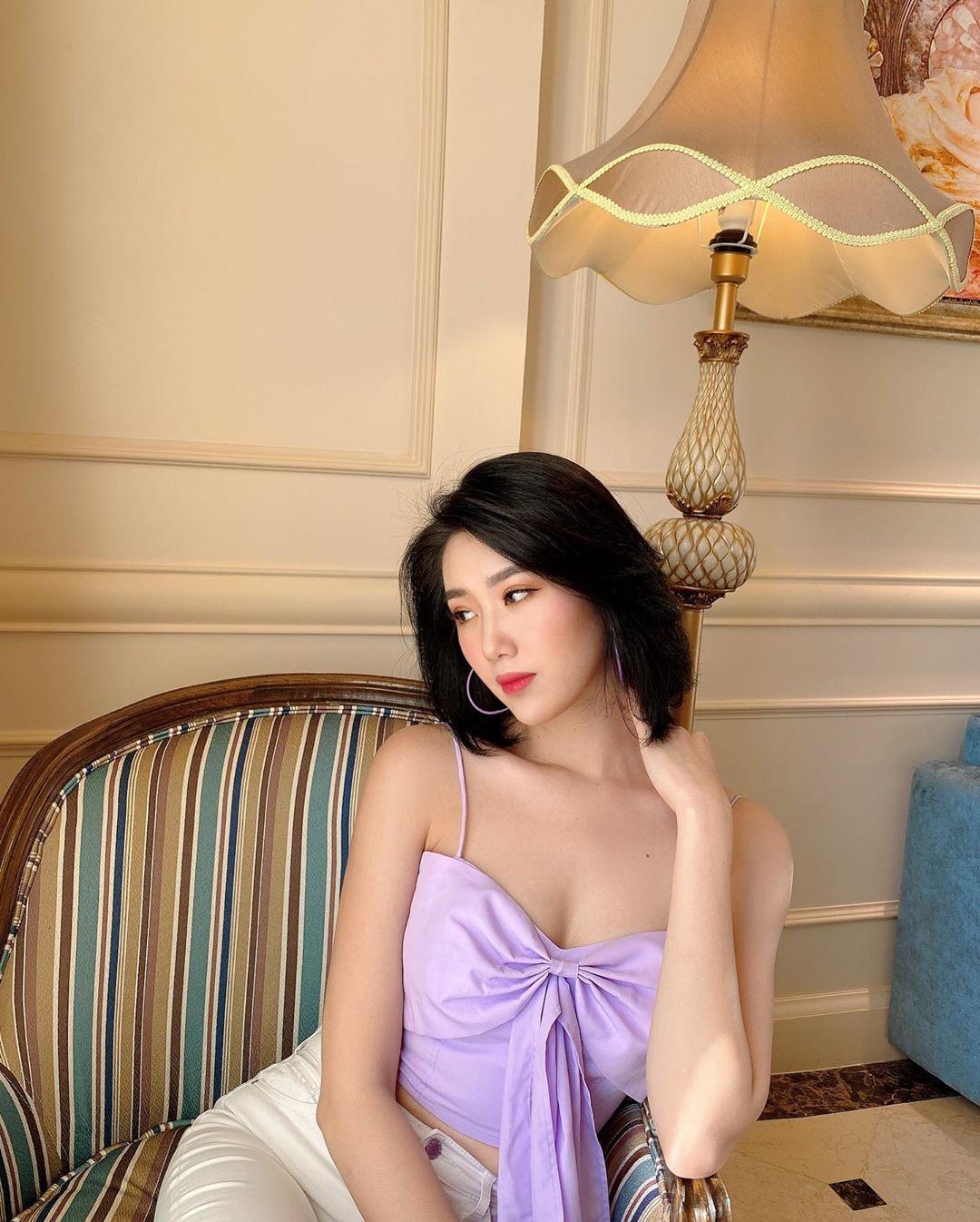Đi đôi giày 120k mà lại nhầm sang giàu hiệu 20 triệu của Hari Won, Thúy Ngân cuống cuồng thanh minh mà không kịp - Ảnh 9.
