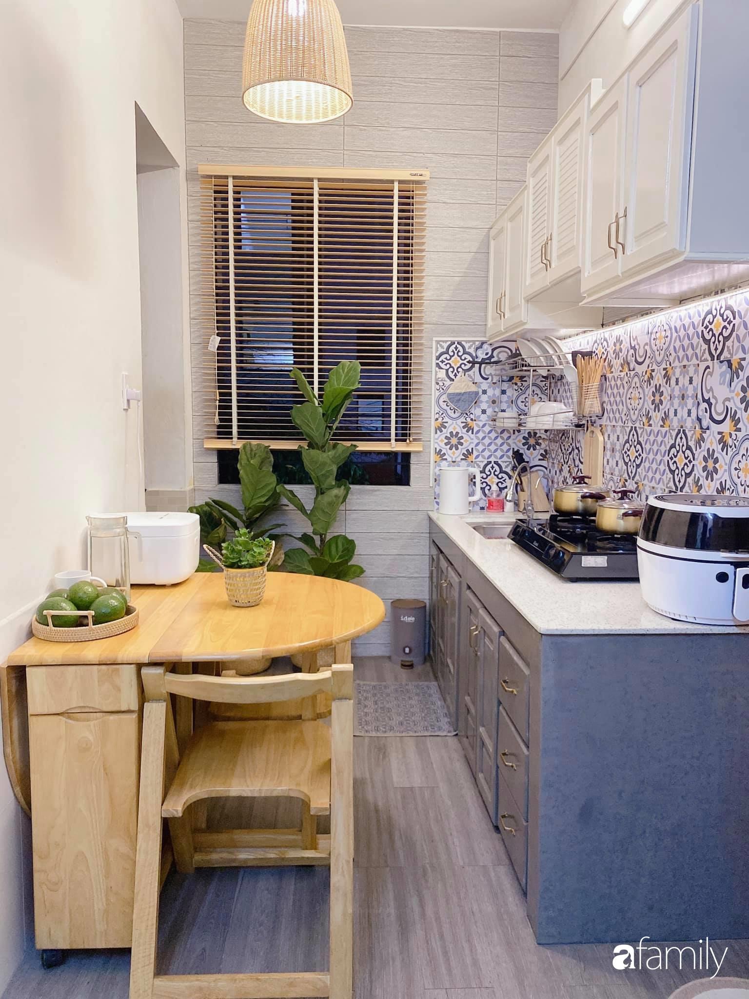 """Anh chồng chiều vợ """"thay áo mới"""" cho căn bếp cũ 6m² trở thành không gian đẹp miễn chê với chi phí chưa đến 3 triệu đồng ở Đà Nẵng - Ảnh 12."""
