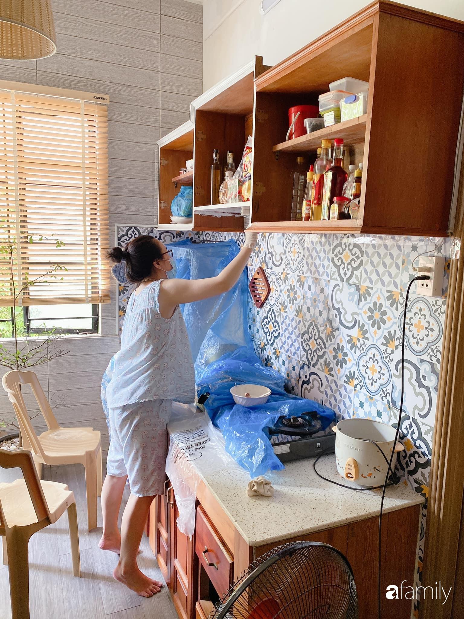 """Anh chồng chiều vợ """"thay áo mới"""" cho căn bếp cũ 6m² trở thành không gian đẹp miễn chê với chi phí chưa đến 3 triệu đồng ở Đà Nẵng - Ảnh 5."""
