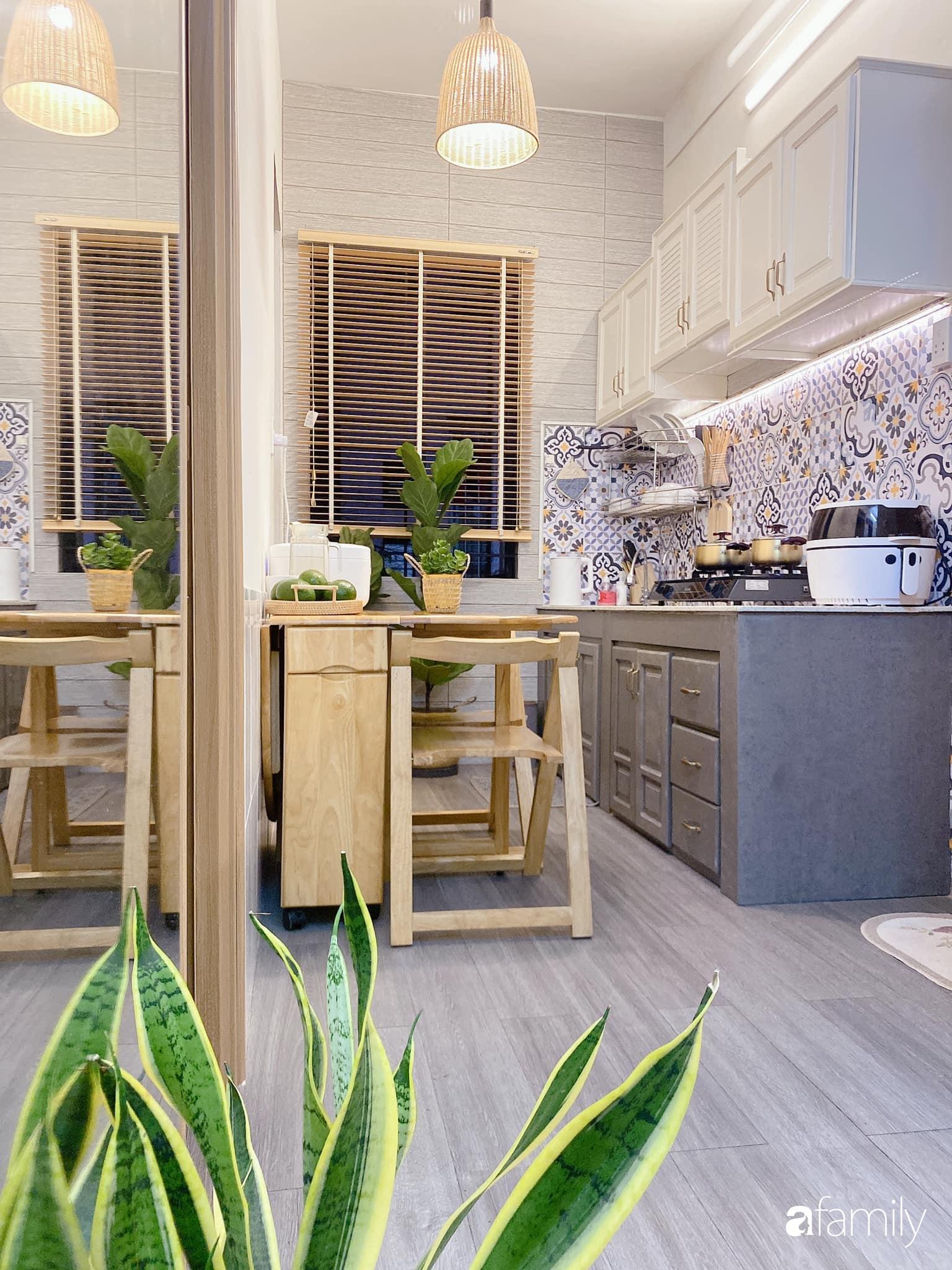 """Anh chồng chiều vợ """"thay áo mới"""" cho căn bếp cũ 6m² trở thành không gian đẹp miễn chê với chi phí chưa đến 3 triệu đồng ở Đà Nẵng - Ảnh 9."""