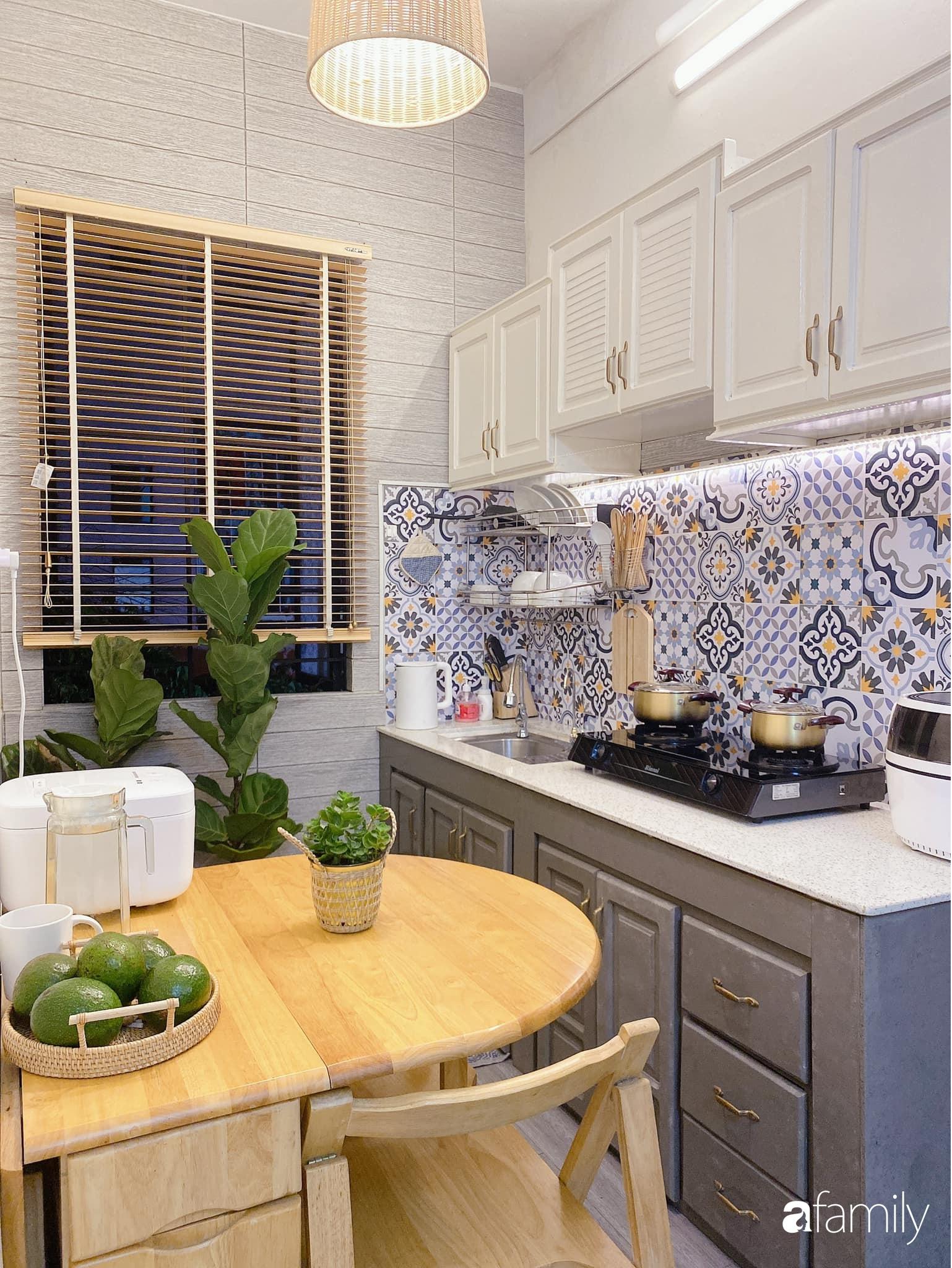 """Anh chồng chiều vợ """"thay áo mới"""" cho căn bếp cũ 6m² trở thành không gian đẹp miễn chê với chi phí chưa đến 3 triệu đồng ở Đà Nẵng - Ảnh 10."""