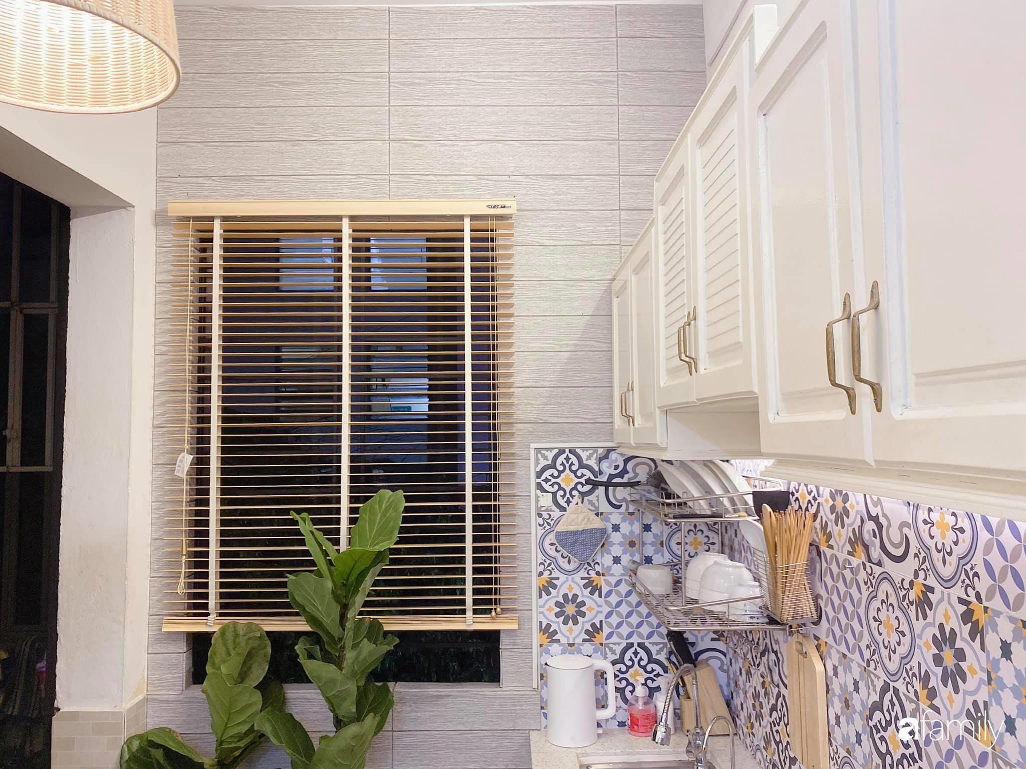 """Anh chồng chiều vợ """"thay áo mới"""" cho căn bếp cũ 6m² trở thành không gian đẹp miễn chê với chi phí chưa đến 3 triệu đồng ở Đà Nẵng - Ảnh 8."""