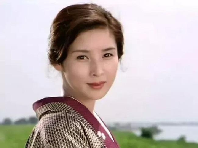 Nữ diễn viên Nhật Bản gây xôn xao vì không thể tin gương mặt này là của người phụ nữ 60 tuổi - Ảnh 6.