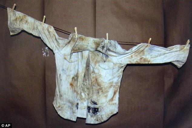 Vụ án 2 thiếu nữ mất tích trên đường đến bữa tiệc đi vào ngõ cụt, hơn 40 năm mới được phá giải nhờ chiếc xe đầy bùn trồi lên mặt hồ - Ảnh 7.
