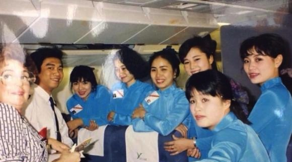 Đồng phục Vietnam Airlines qua các thời kỳ - Ảnh 3.