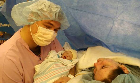 Đi siêu âm ở tuần thứ 20, mẹ bầu chết lặng với dự đoán và lời khuyên của bác sĩ - Ảnh 2.
