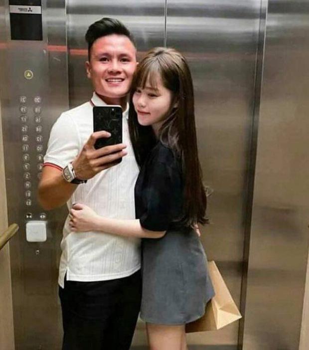 """Quang Hải đưa Huỳnh Anh đi chơi trên xe Mercedes 2,4 tỷ, dân tình thích thú nhắc khéo nên """"đi dạo"""" Hồ Tây  - Ảnh 2."""