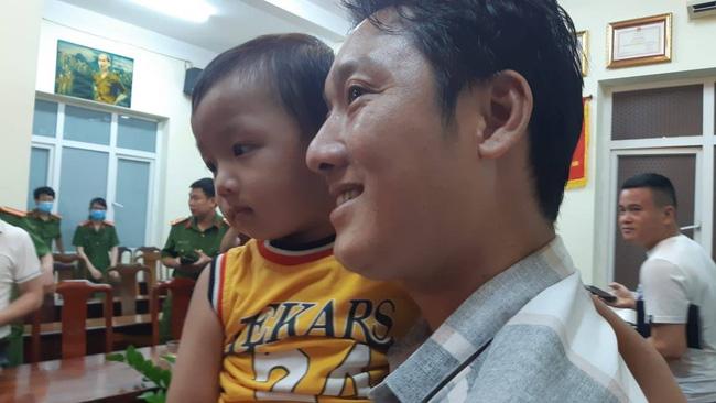 Từ vụ bắt cóc cháu bé 2,5 tuổi ở Bắc Ninh, hoảng hốt nhìn lại một nơi nguy hiểm không kém: Mạng xã hội ảo - con cái bạn là thật - Ảnh 1.
