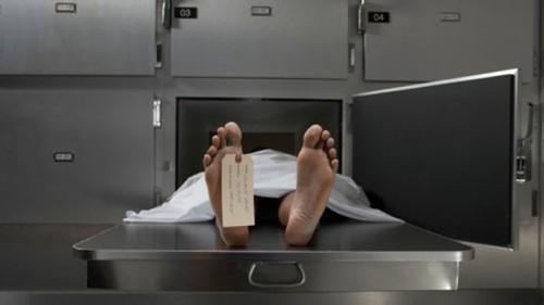 Nghe tin chồng qua đời ở khách sạn, vợ đau đớn nhận thi thể nhưng sốc hơn khi phát hiện hành động đáng xấu hổ của anh lúc còn sống - Ảnh 1.