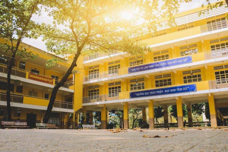 Top 7 trường THPT xuất sắc tại TP.HCM, có nơi được mệnh danh lò đào tạo nhân tài vì tiêu chuẩn giáo dục quá đỉnh cao - Ảnh 4.