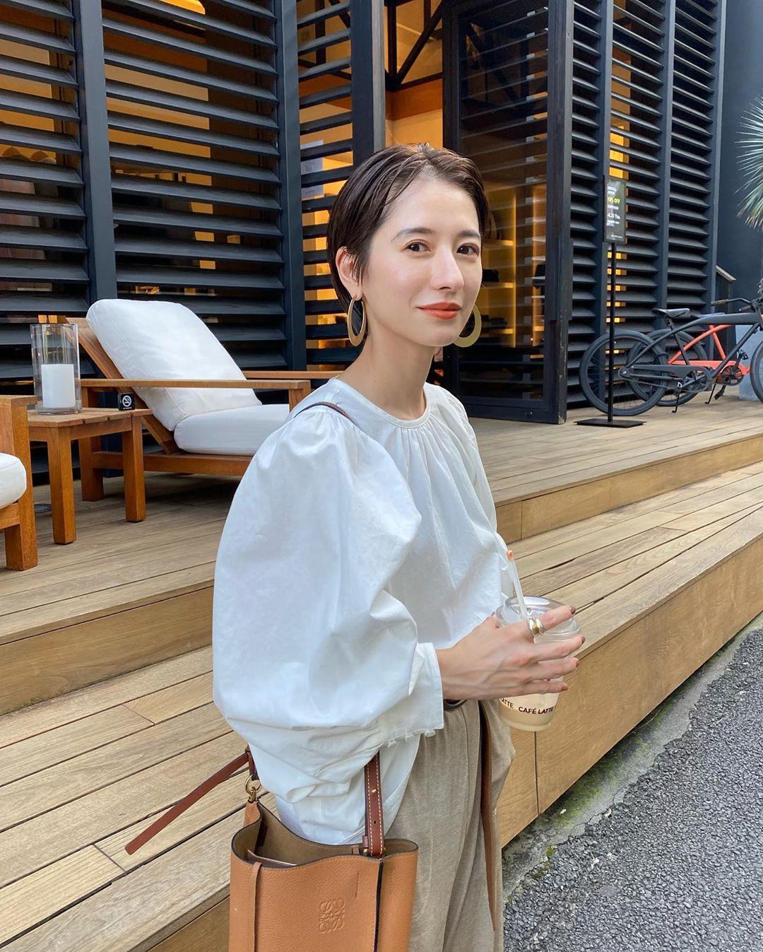 Nàng công sở Nhật chỉ cao 1m58 vẫn mặc đẹp hack dáng khiến đồng nghiệp phải khen ngợi - Ảnh 4.