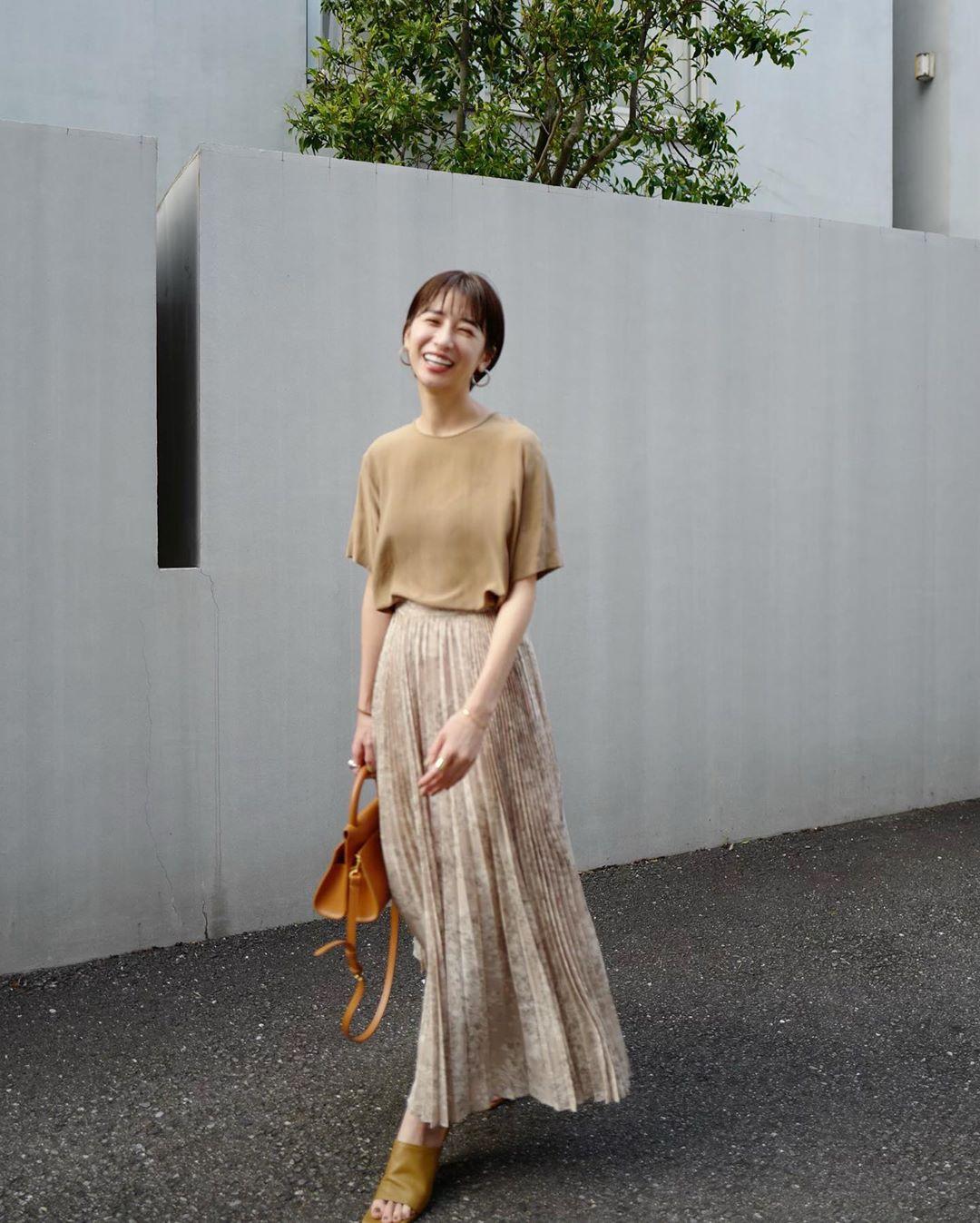 Nàng công sở Nhật chỉ cao 1m58 vẫn mặc đẹp hack dáng khiến đồng nghiệp phải khen ngợi - Ảnh 6.