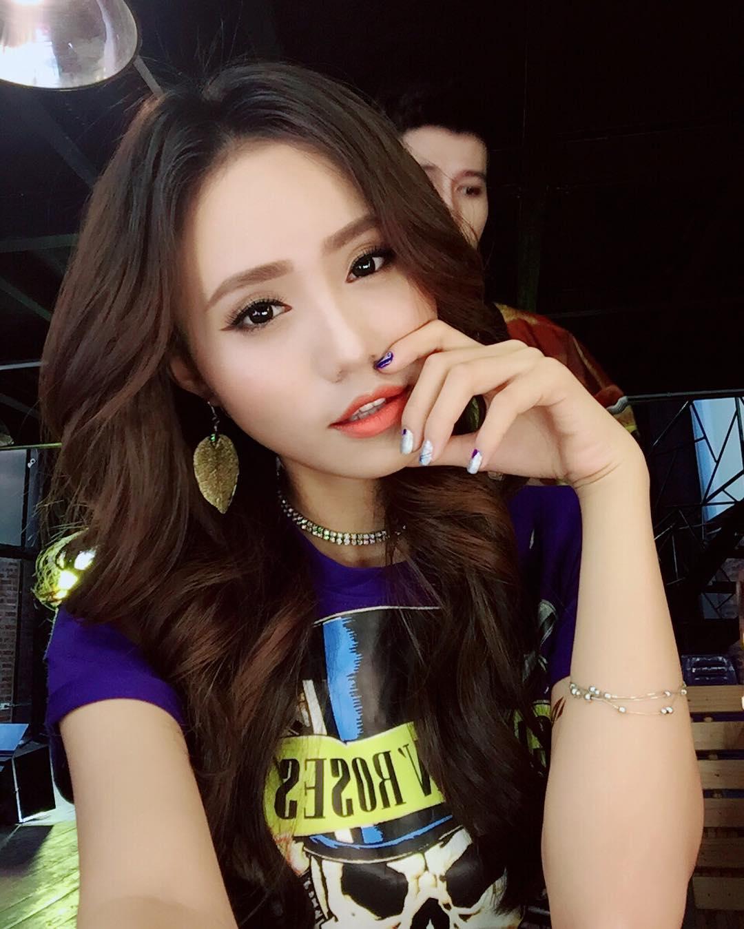 Là MC trẻ trung nhất nhì VTV nhưng chẳng ai ngờ ngoài đời, Xuân Anh lại có style chất chơi bốc lửa thế này - Ảnh 9.