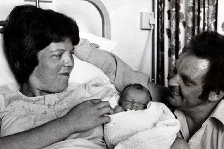 Câu chuyện kì lạ về người phụ nữ mang thai 12 tháng, đứa trẻ sinh ra khỏe mạnh bình thường nhưng lại khiến nhiều người hoài nghi - Ảnh 1.