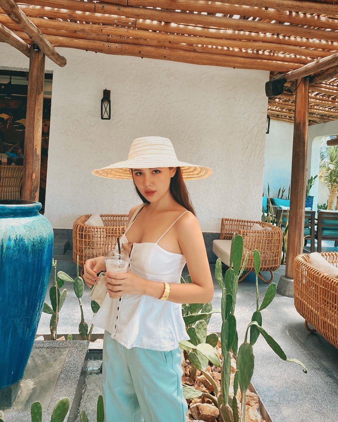 Phanh Lee khoe làn da mịn màng tuổi 30, bật mí tuyệt chiêu không cần kem nền mà da vẫn căng mọng - Ảnh 3.