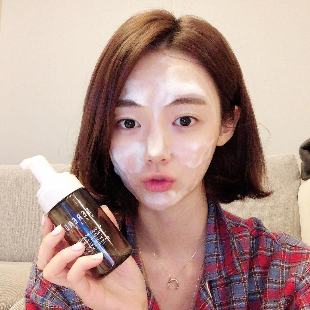 Dưỡng ẩm ngay từ bước làm sạch da theo cách của chuyên gia người Nhật: Chị em làm đúng 6 điều là da sẽ đẹp - Ảnh 3.