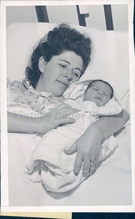 Câu chuyện kì lạ về người phụ nữ mang thai 12 tháng, đứa trẻ sinh ra khỏe mạnh bình thường nhưng lại khiến nhiều người hoài nghi - Ảnh 2.