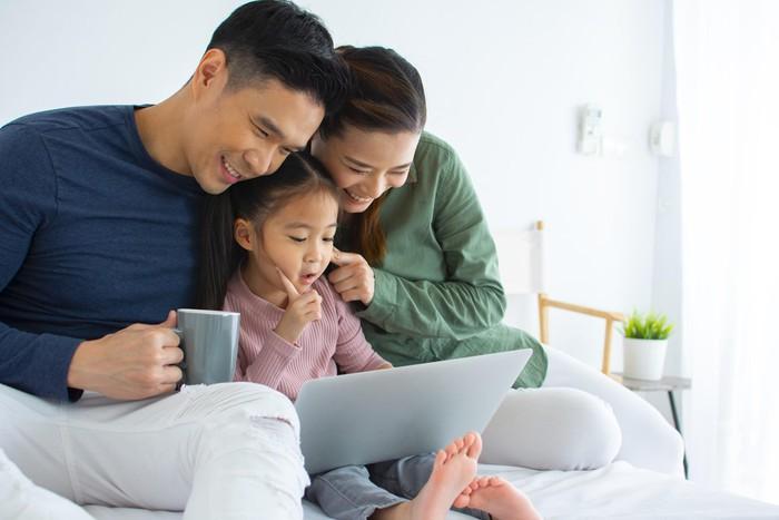 Mua bảo hiểm nhân thọ cho con, cha mẹ cần lưu ý 4 điều này - Ảnh 4.